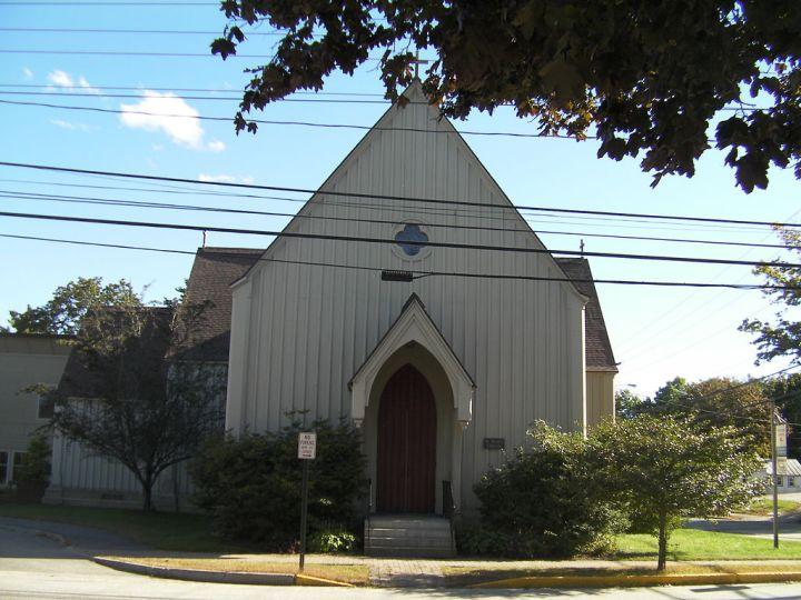 1024px-St_Paul's_Church,_Brunswick,_ME