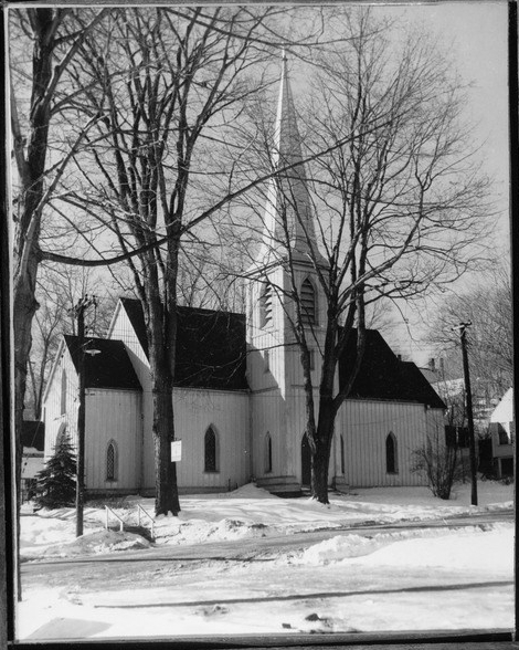 Historic_American_Buildings_Survey_Mark._C._Bisgrove,_Photographer_1971_NORTHEAST_VIEW_-_St._Matthew's_Church_(Episcopal),_20_Union_Street,_Hallowell,_Kennebec_County,_ME_HABS_ME,6-HAL,2