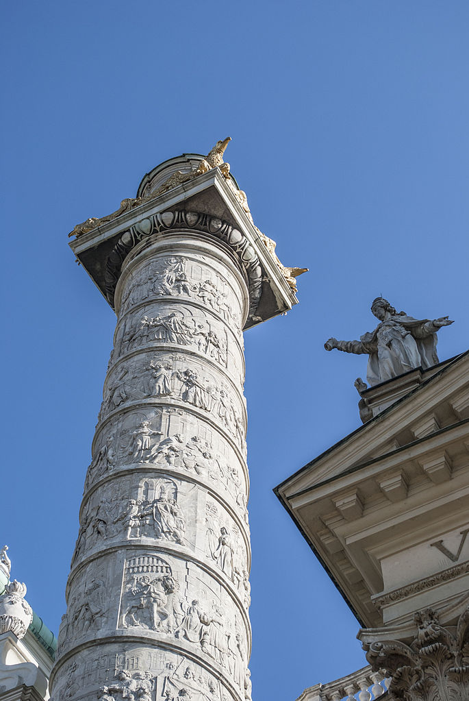 Karlskirche,_Vienna_-_Triumph_columns_(2)